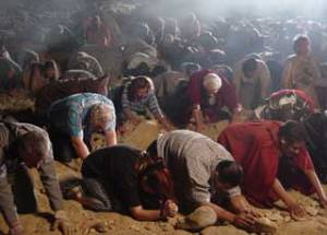 People bowing